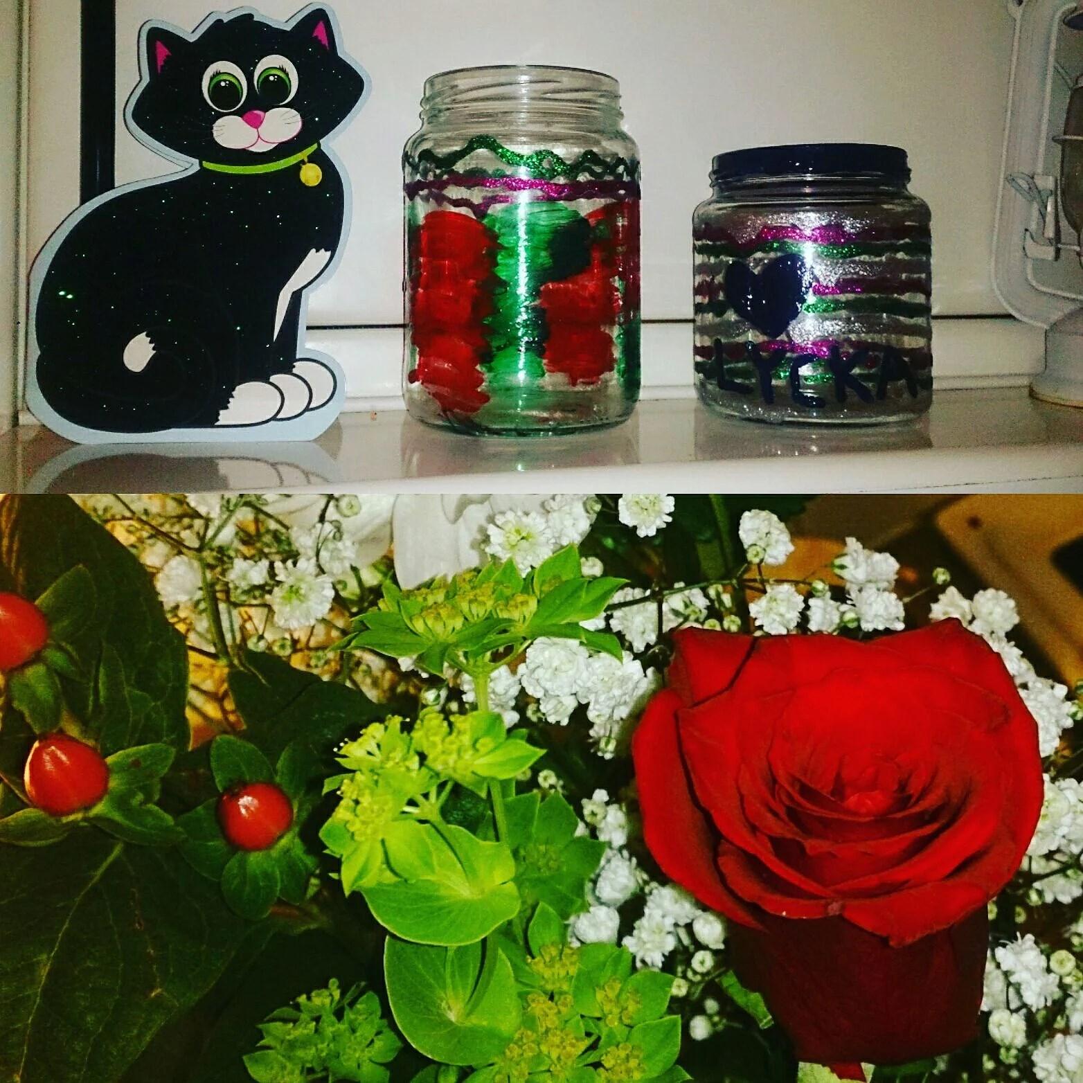 Skönsång, tårta, presenter och blommor