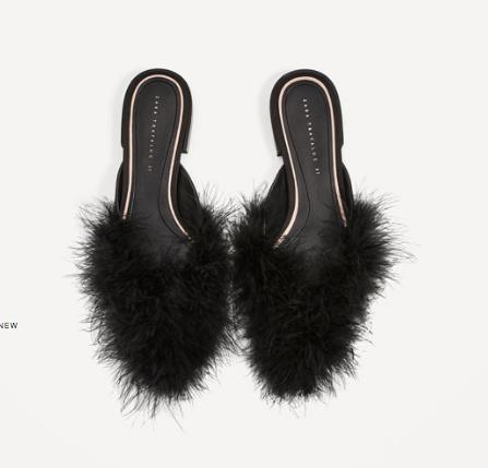 Pels slippers under 400 kr