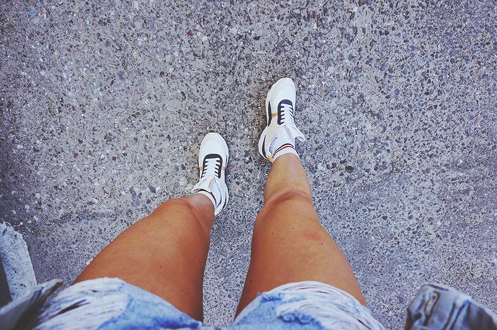 blogger ilirida sneaks mode
