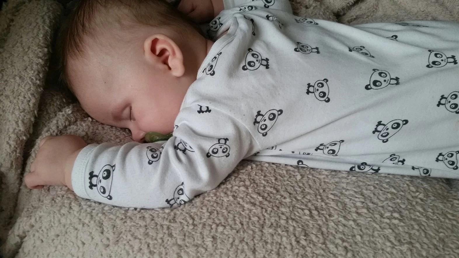 Bildresultat för pojke sover
