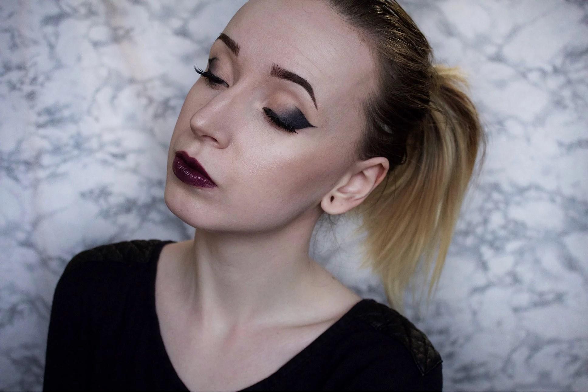Makeup look: Dramatic cateye