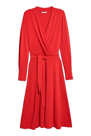 Klarröd creppad klänning från HM