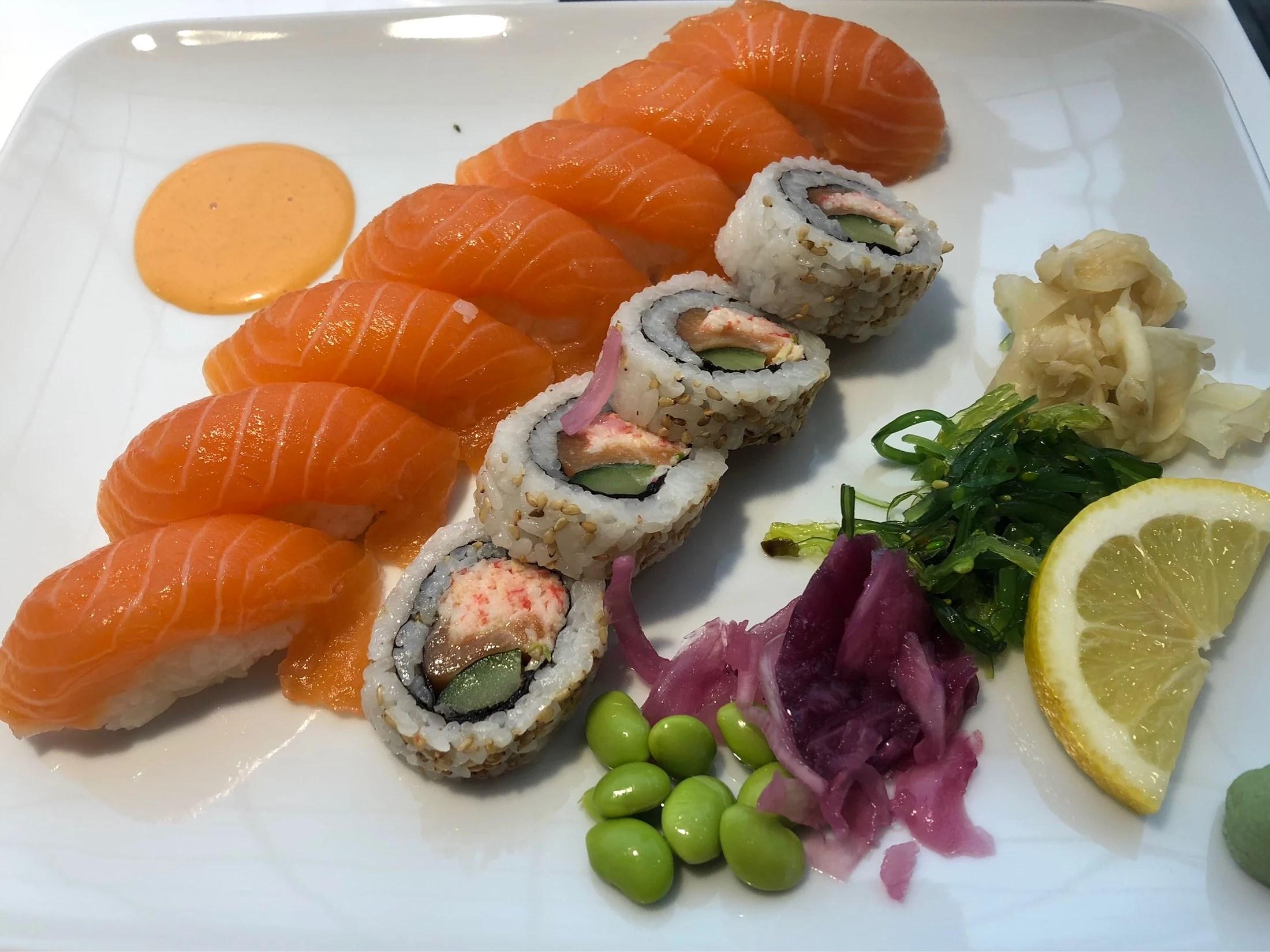 Igår blev det sushi, vad ? Fett gott.