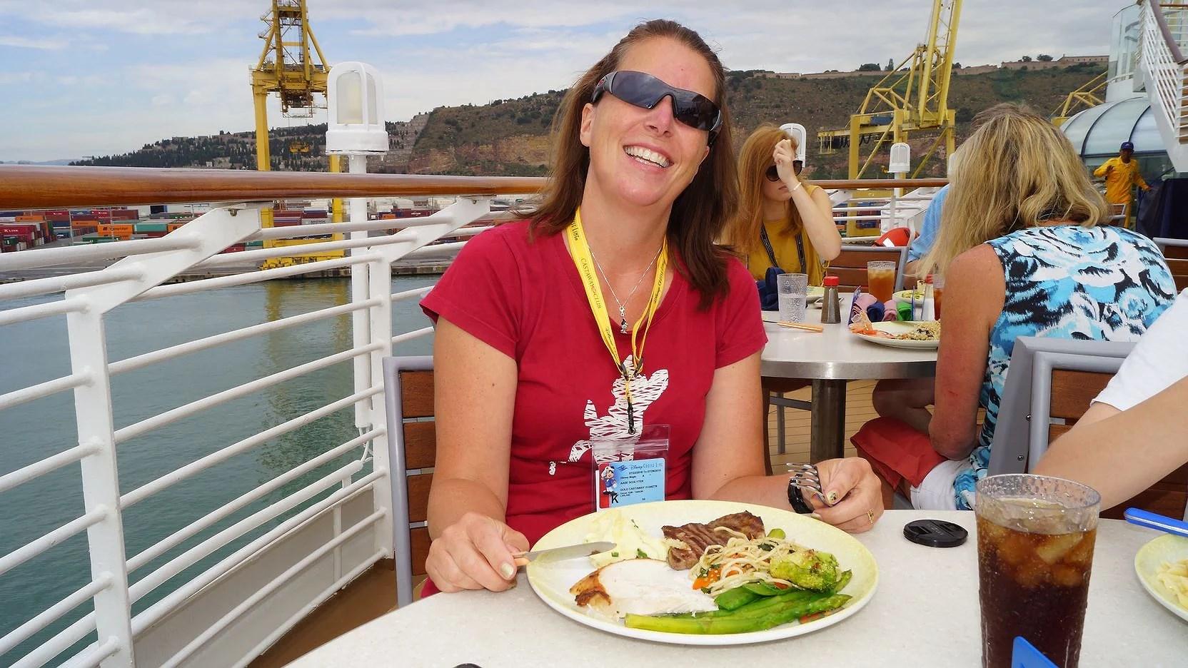 Reseberättelse Barcelona - Dover Disney Cruise Line Juli 2018 Del 2:  Disney Magic!