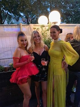 Beba Jonsson med Sigrid Bernson och Zeana på Rockbjörnen 2019