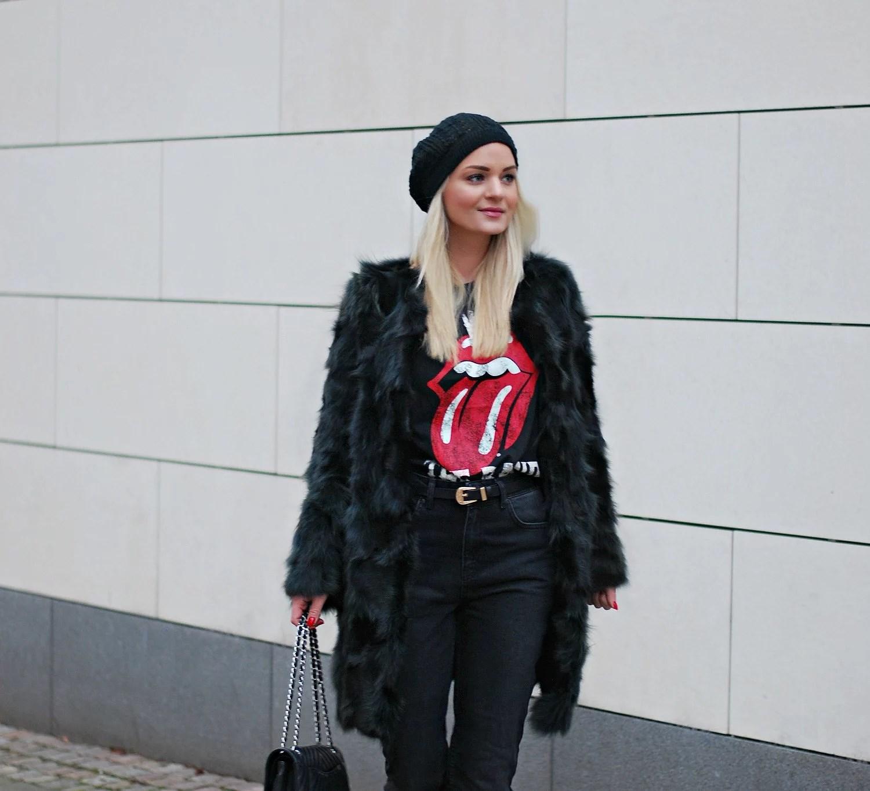 dark-mommy-jeans