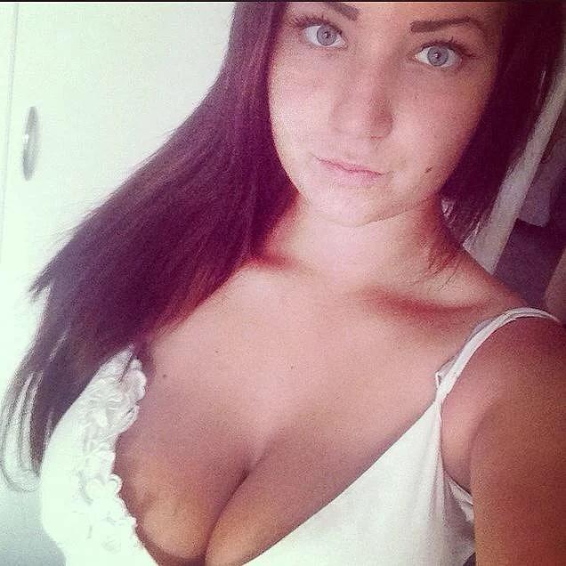 Instagram lady tuttar