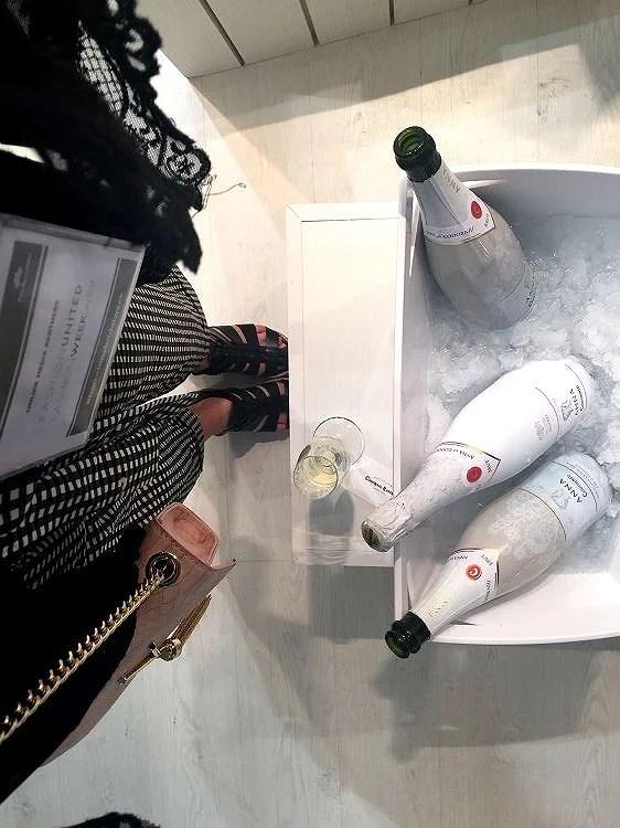 Celebra una boda única con las botellas personalizadas de Anna de Codorniú.
