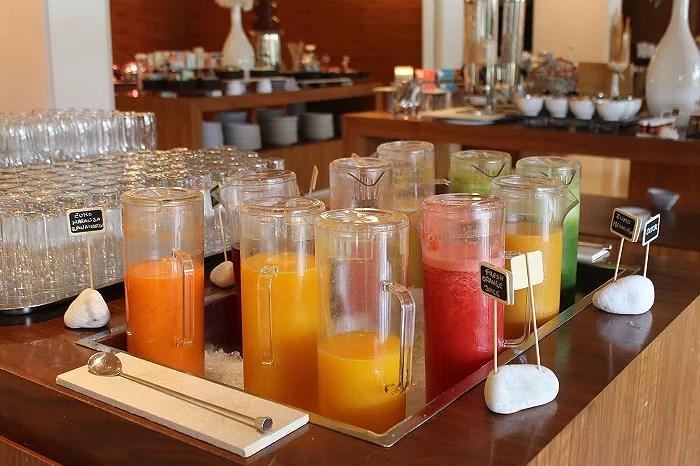 Zumos naturales en el amplio buffet. Ibiza Gran Hotel