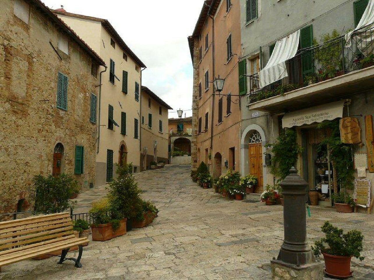 Cetona i Italien