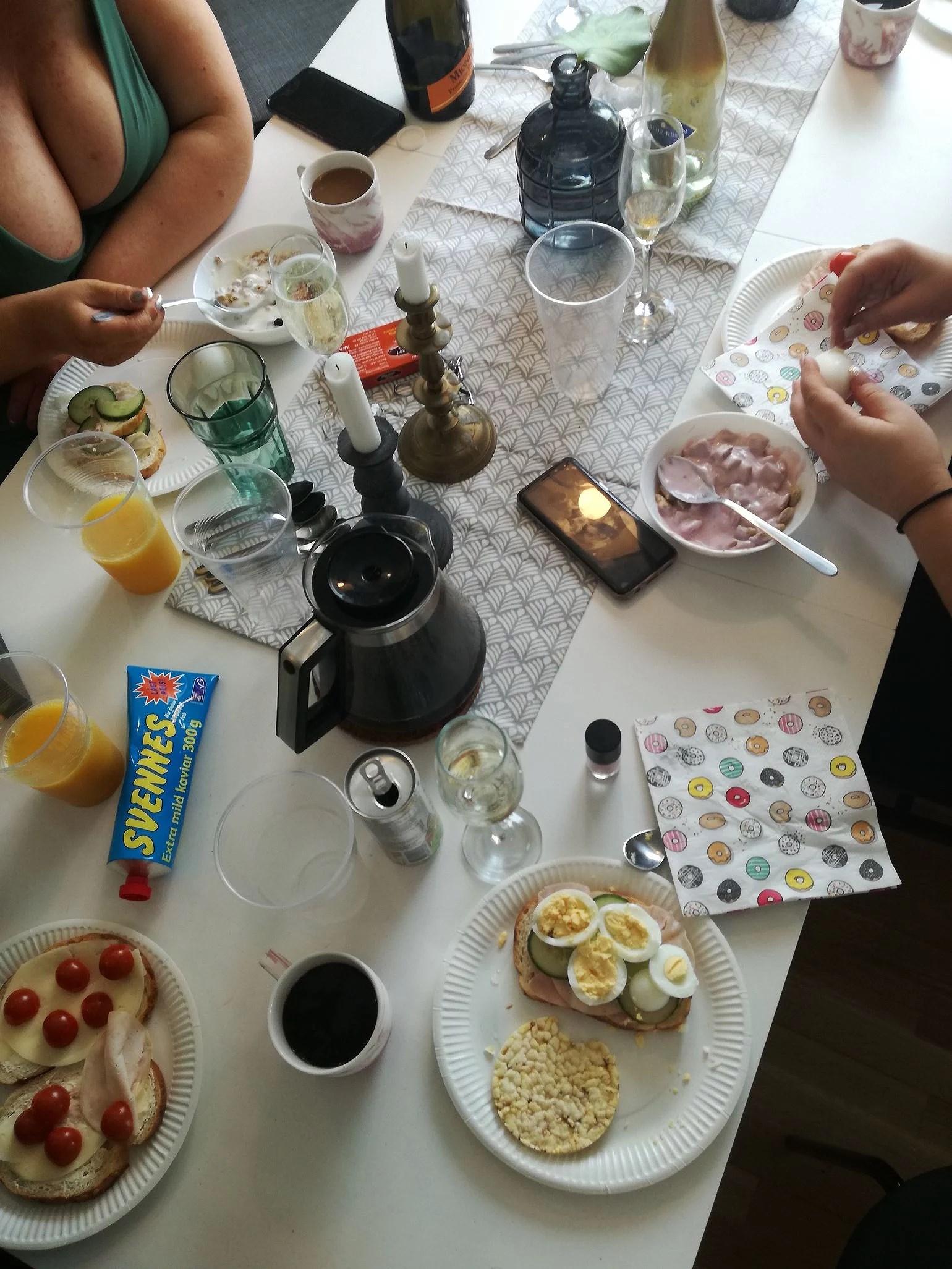 Champangefrukost