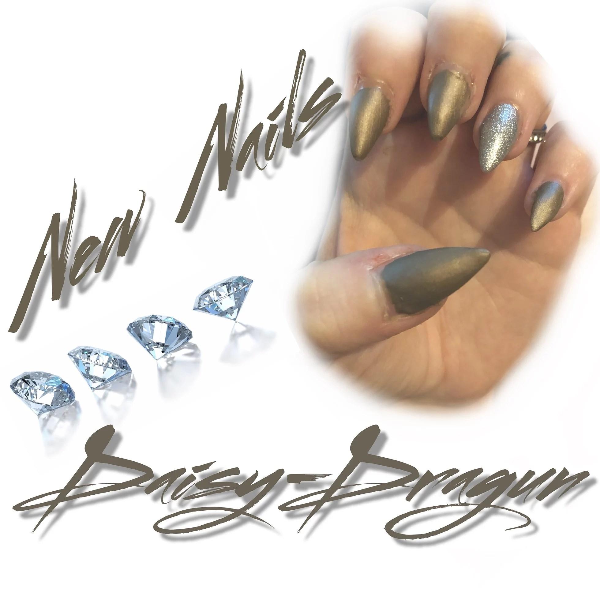 New nails 🤩
