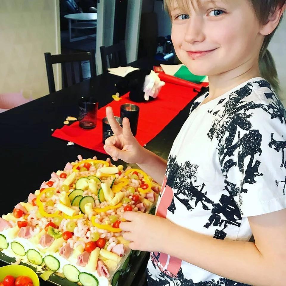 """En nybliven åttaåring - med """"recept"""" på MIN smörgåstårta"""