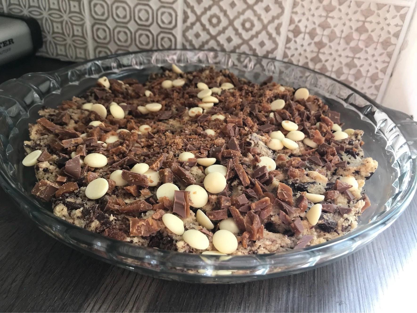 Jättecookie med choklad och daim