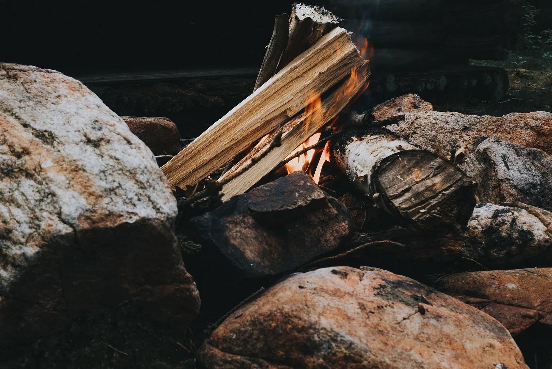 Jag skriver brev och bränner dem
