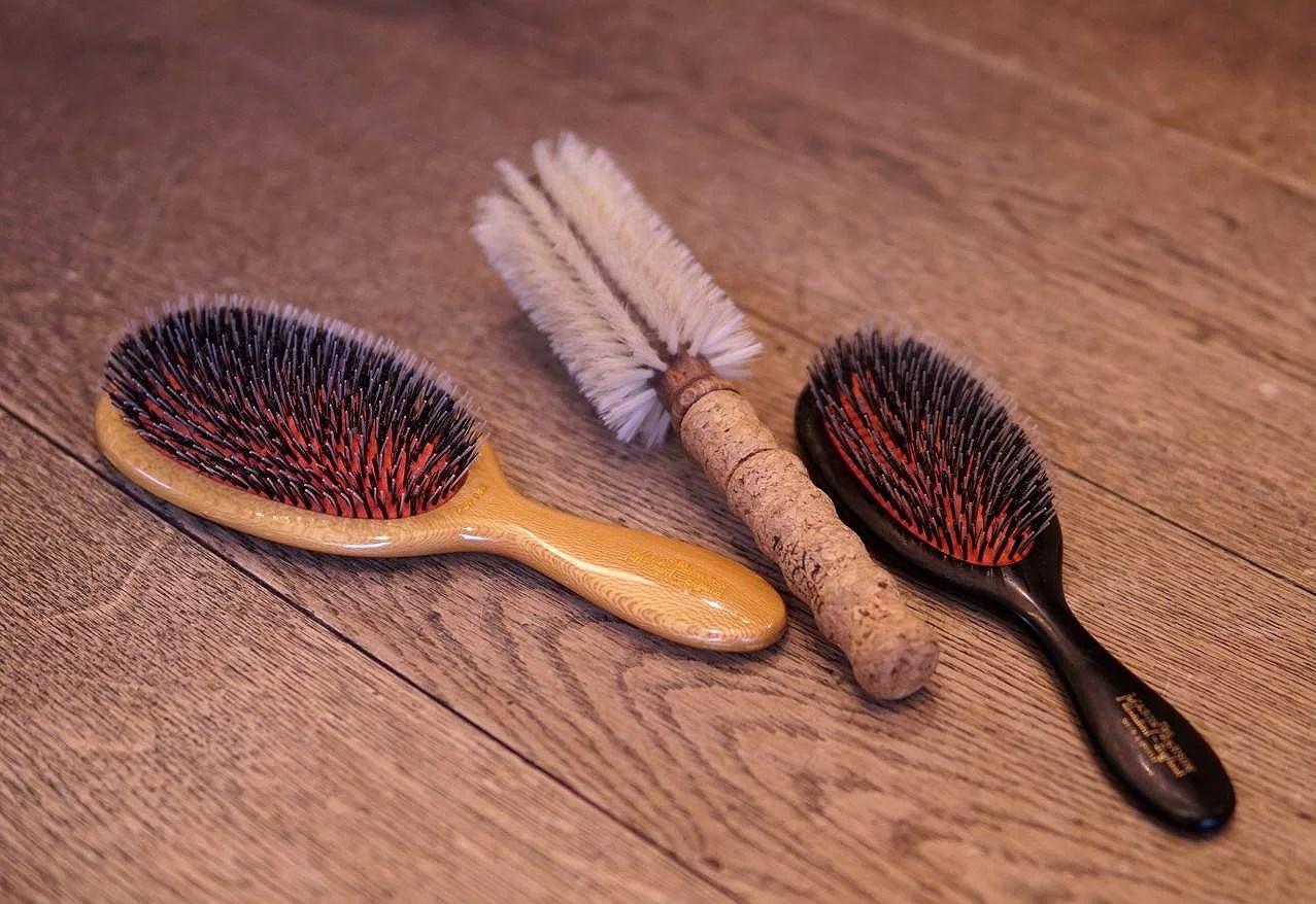 Smutsig hårborste – smutsigt hår