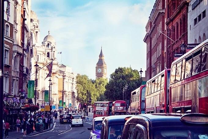 Mot London