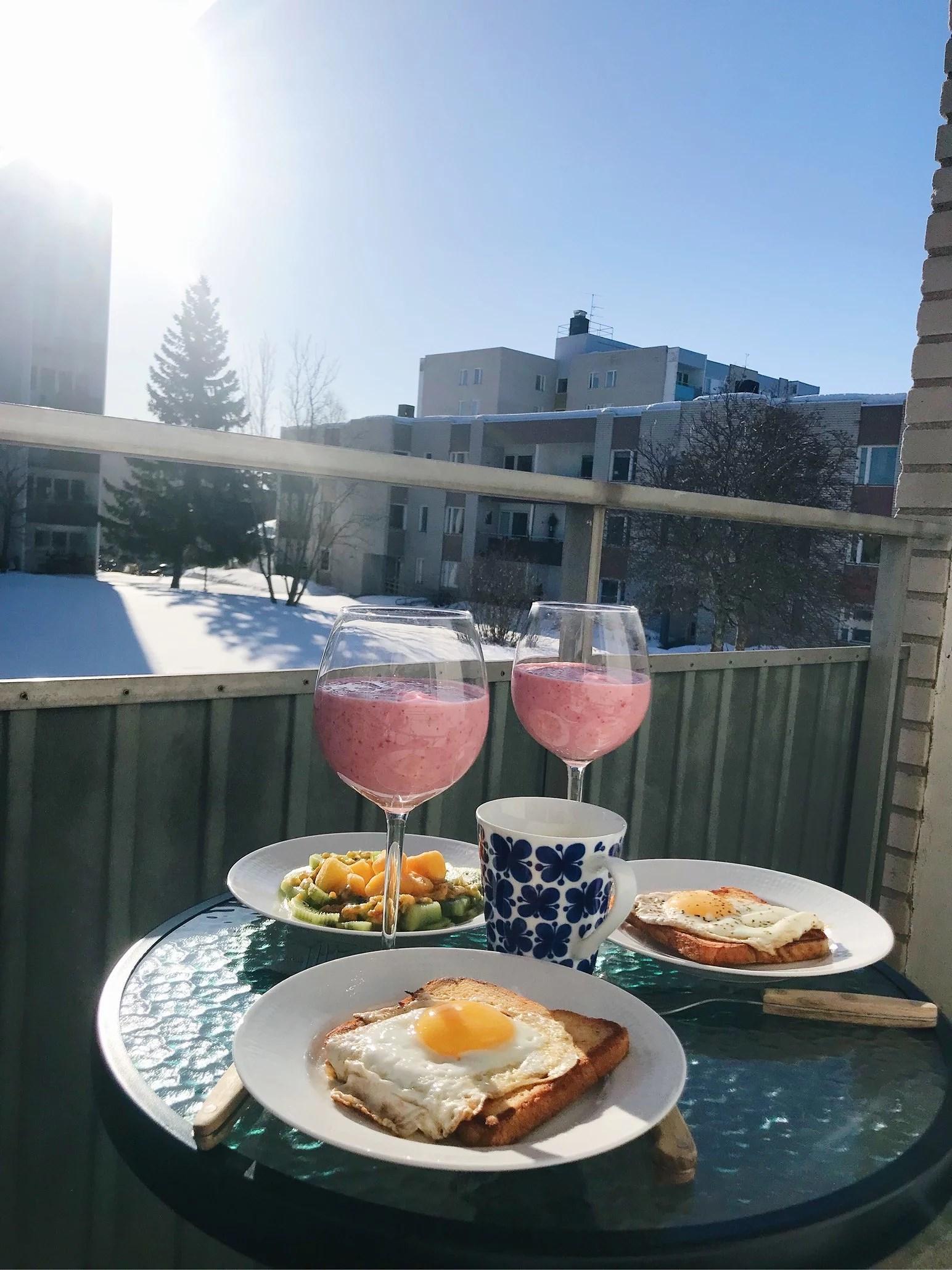 Första frukosten