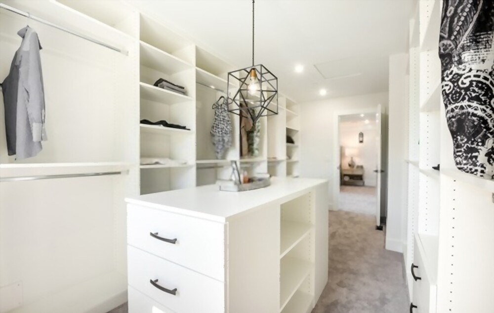Top 5 Reasons Why You Should Buy Custom Cabinets