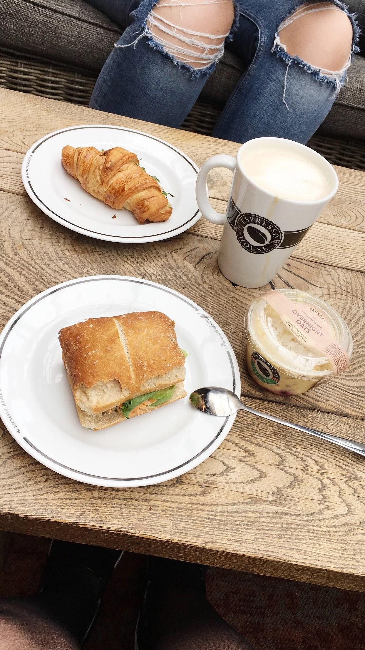 Frukost på Espresso House