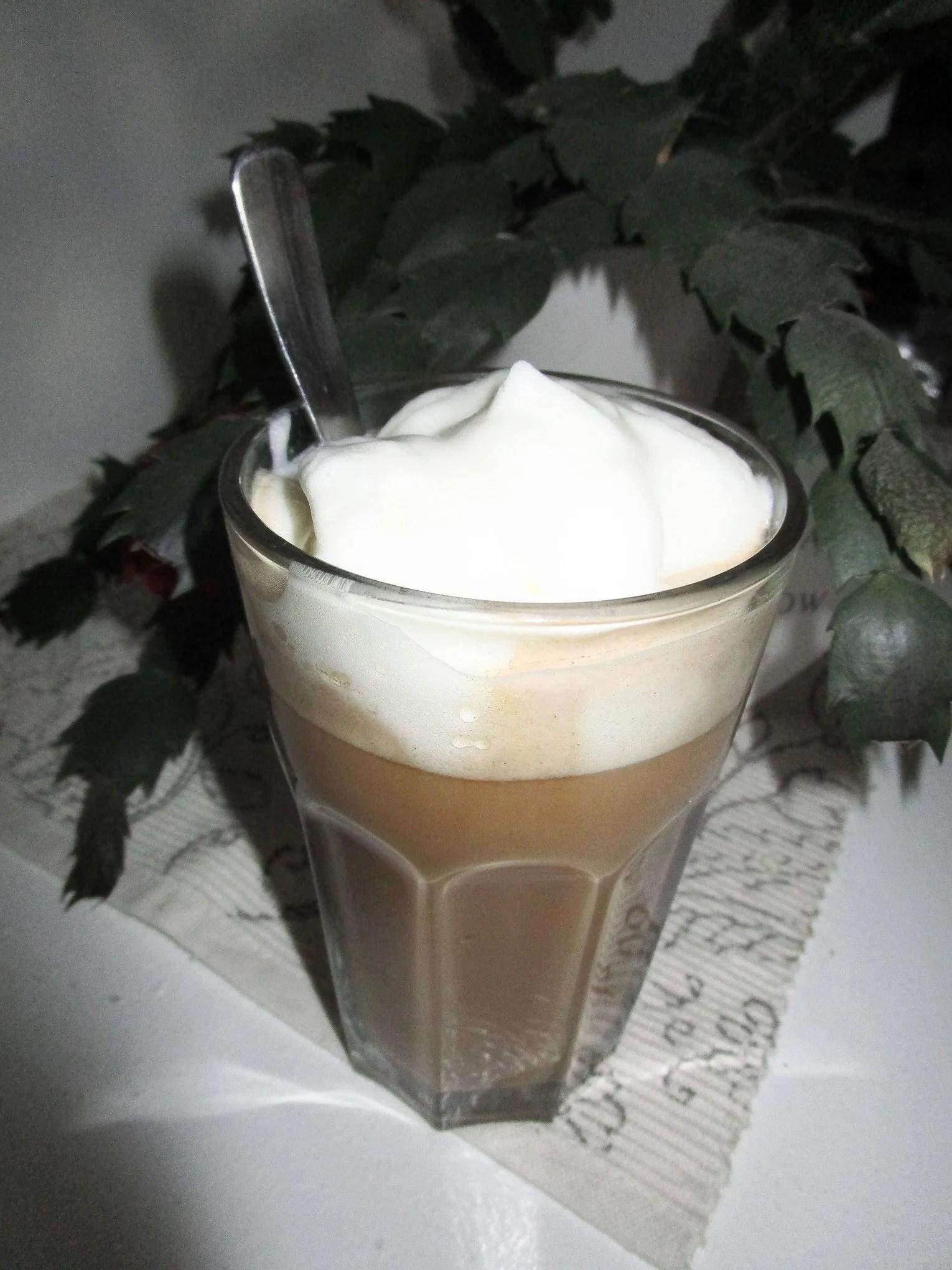 Färgad och kaffe i stora lass