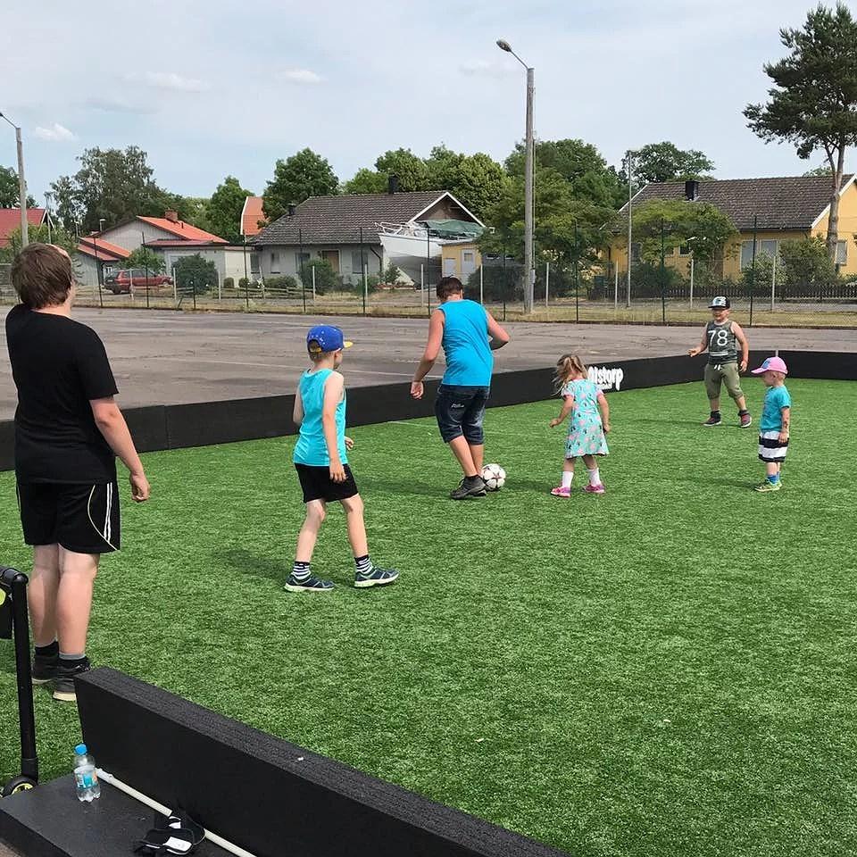 Fotbollsmatch, fotbollsmorsa och fotbollstankar