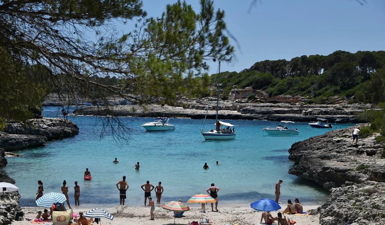 mondrago-beach