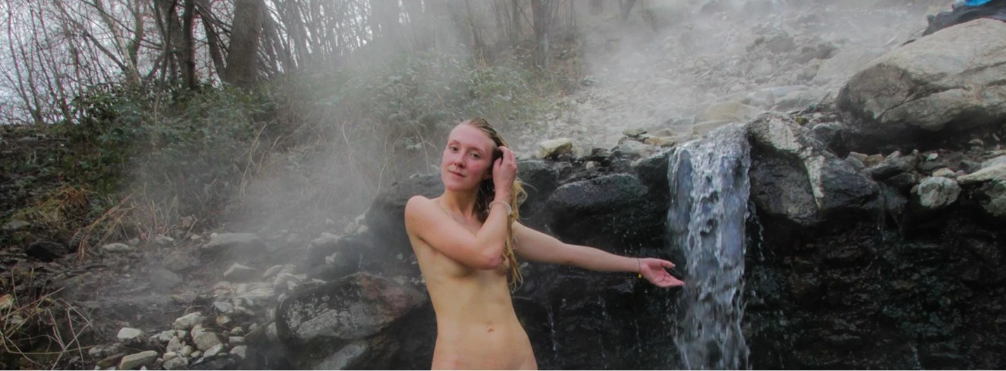 Free hot spring / thermal bath in the Pyrenees mountains France. The fountain of youth