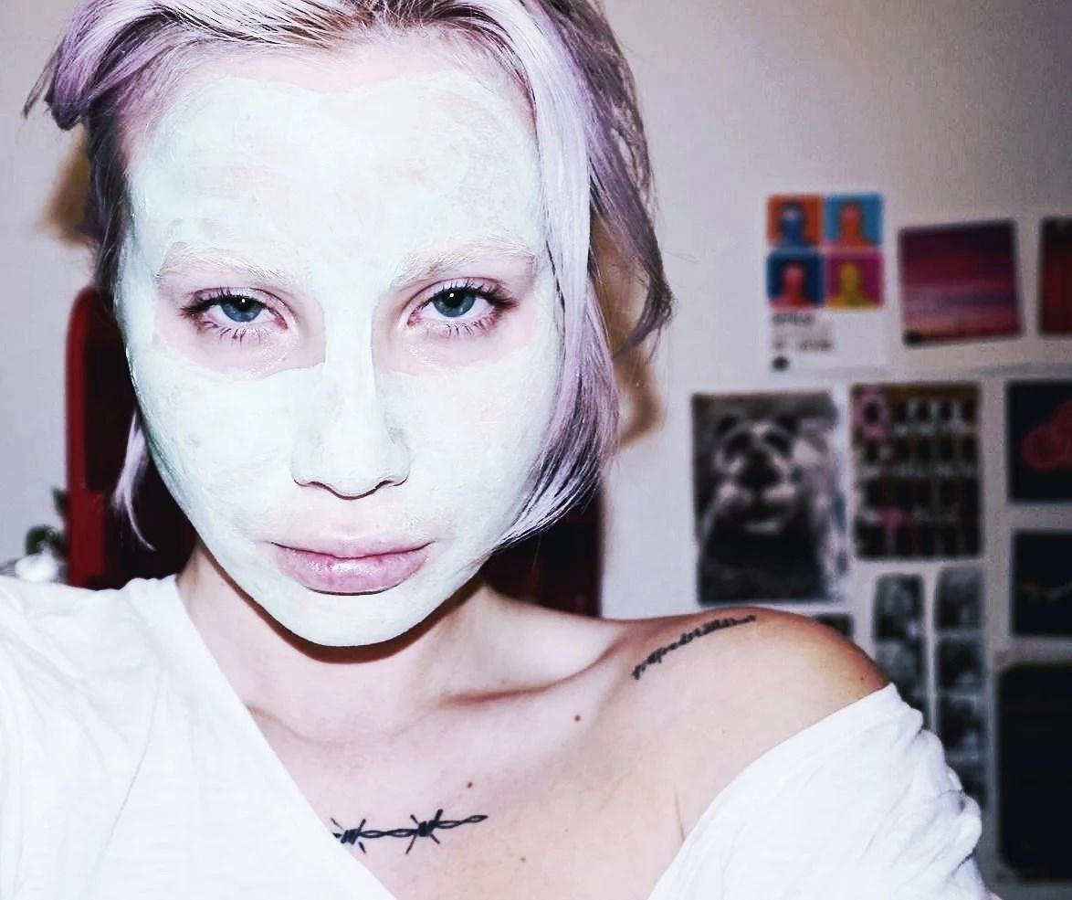 Nån random ansiktsmask