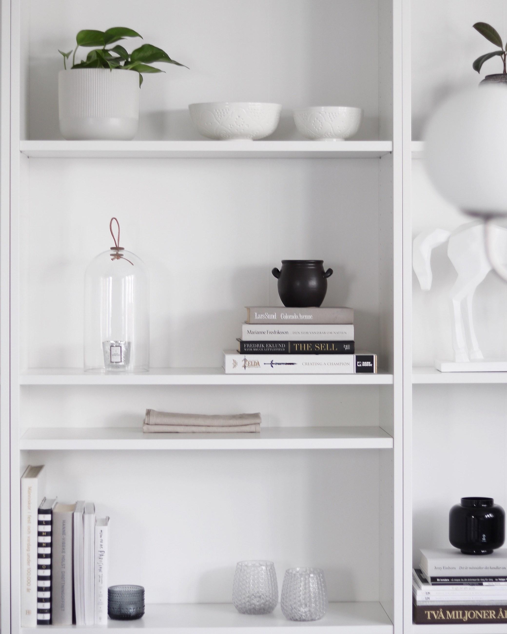 Att fylla en bokhylla