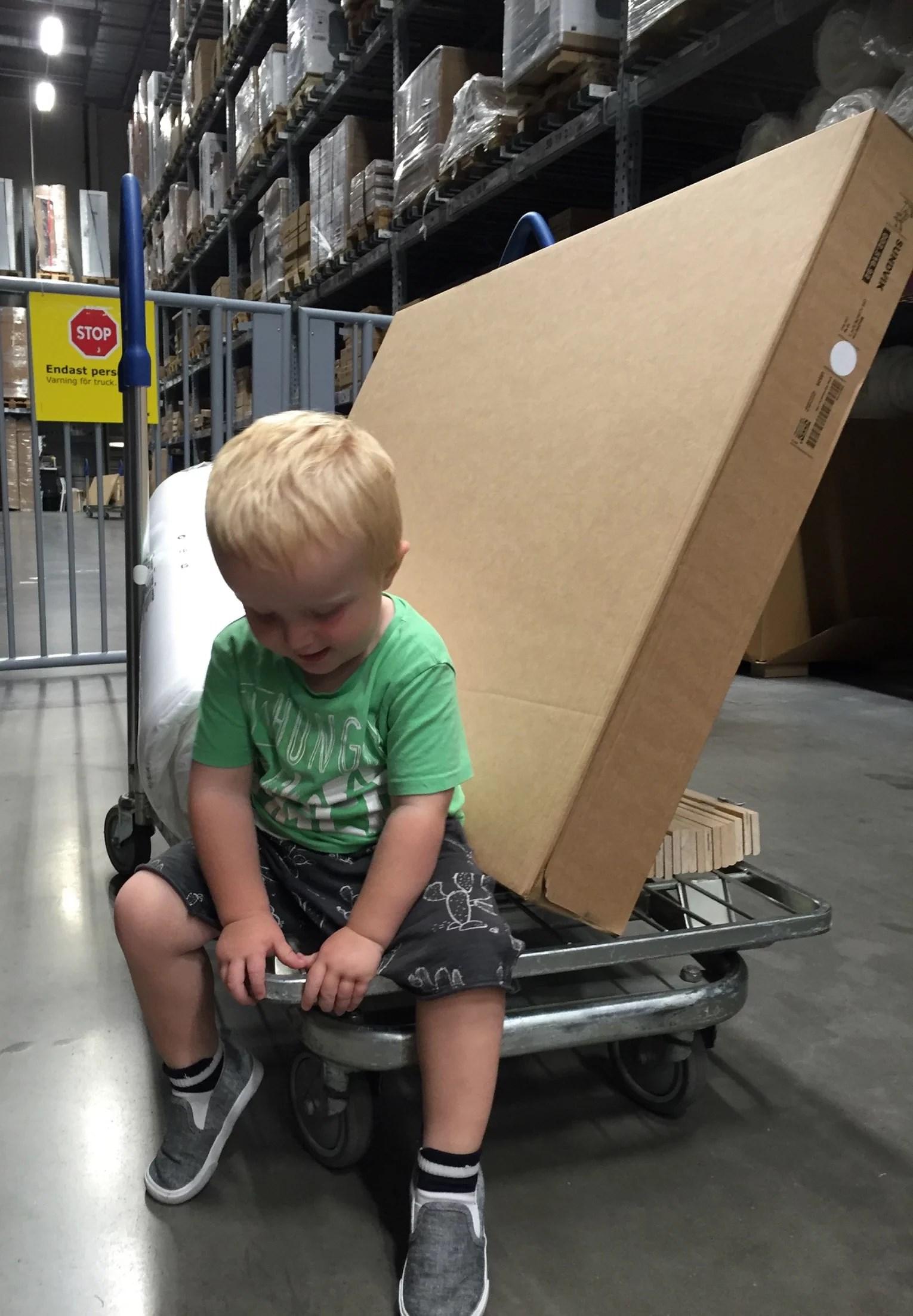 FREDAGS NÖJE PÅ IKEA