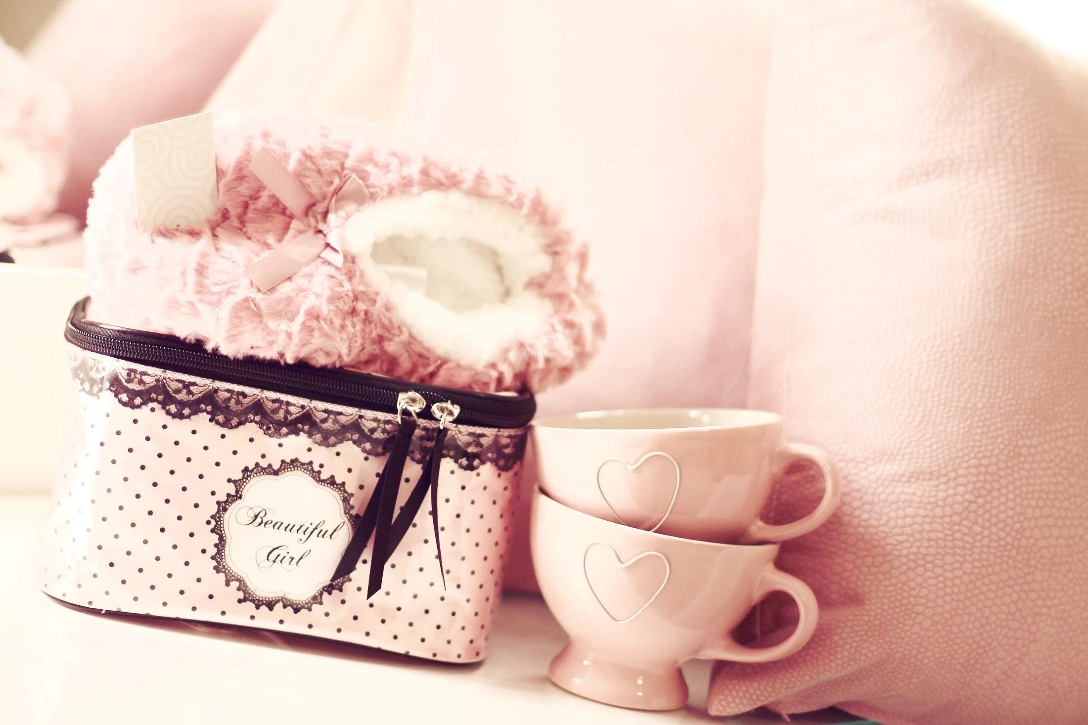 Pink shopping