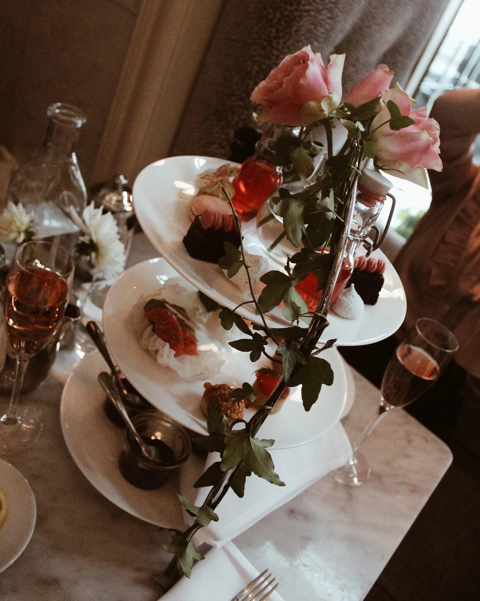 Afternoon Tea by Ida Sjöstedt
