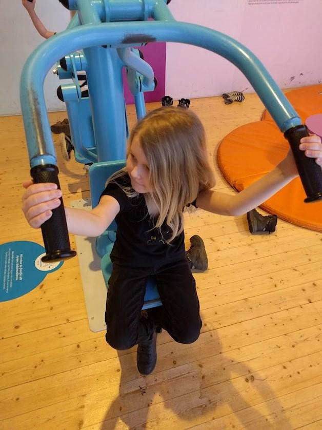 Universeum Göteborg hållbar intressant och rolig semester hemester för barn och vuxna interaktivt hälsa lyfta sig själv.