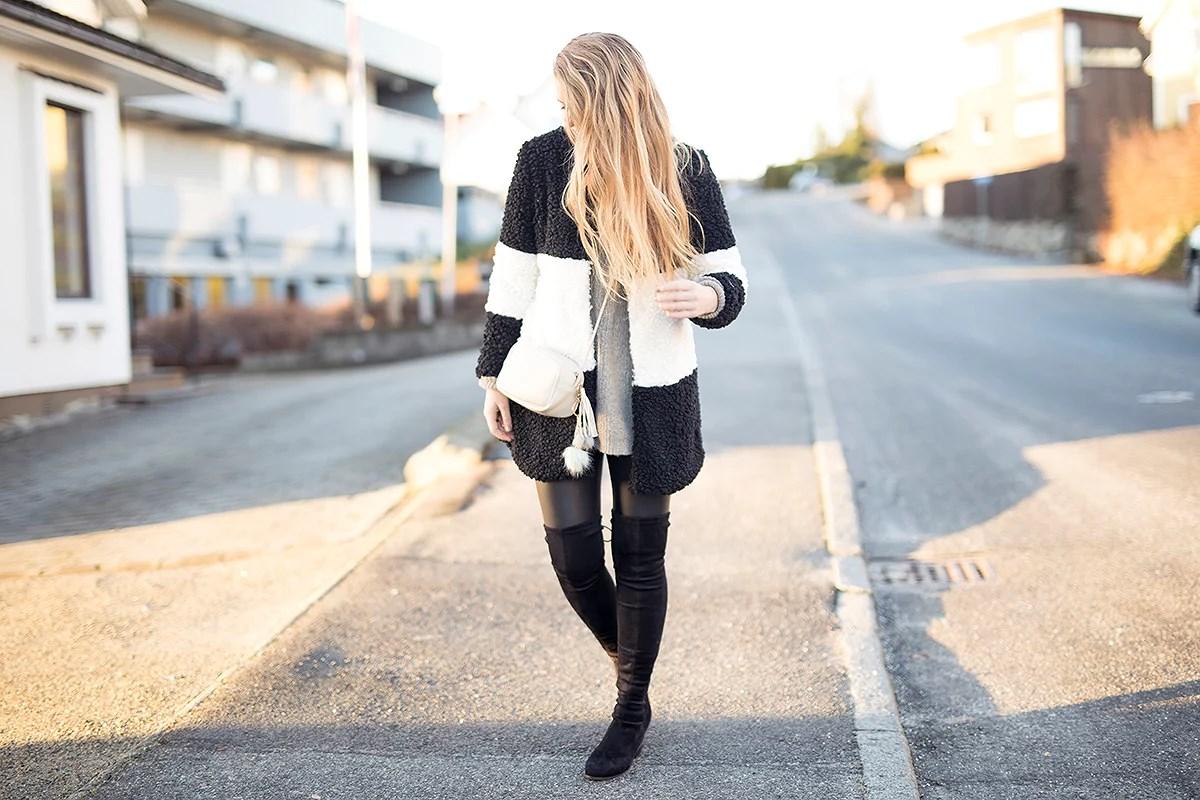 krist.in antrekk jakke svart og hvit shein thigh high lårstøvletter nelly skinntights