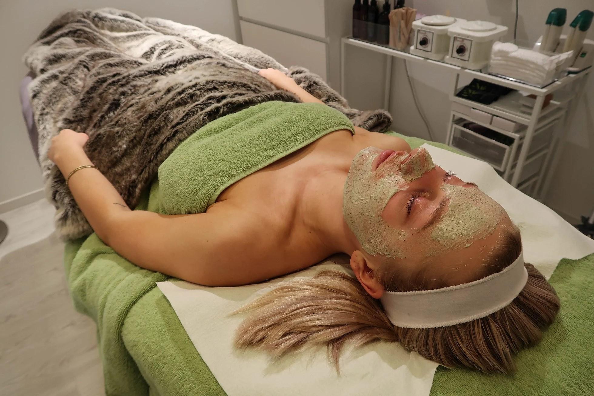 Green Peel - bedring av akne, arr og store porer