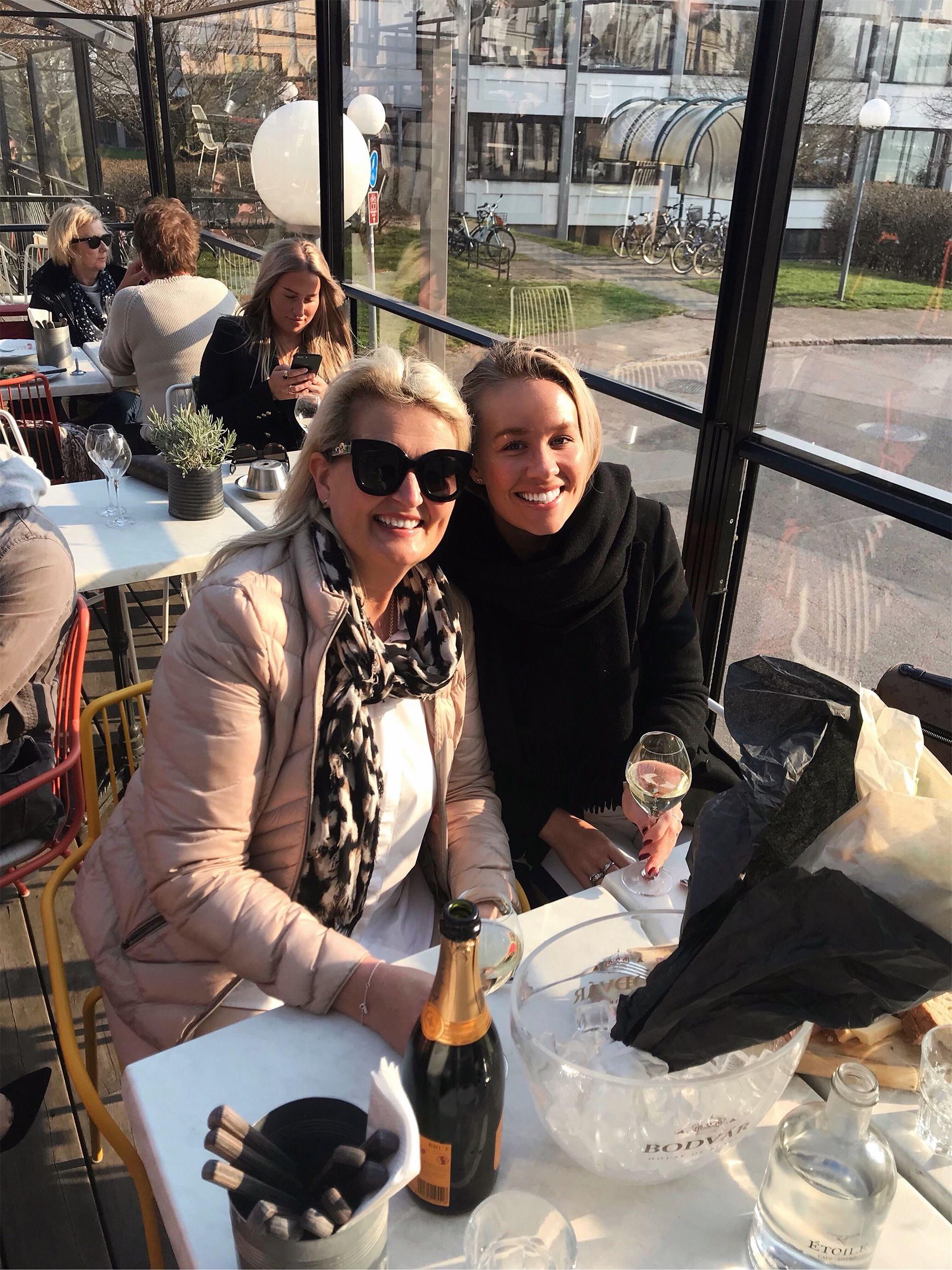 AW's, strosande i Köpenhamn, samboccashots och hundfeber