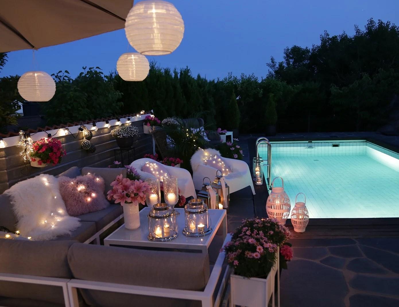 Sommerkveld ved bassenget