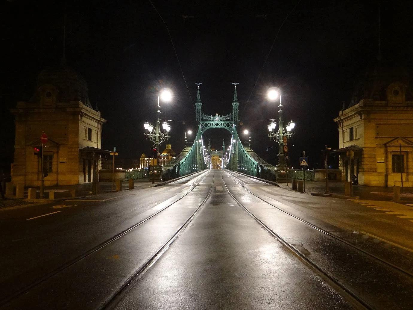 bridge to buda