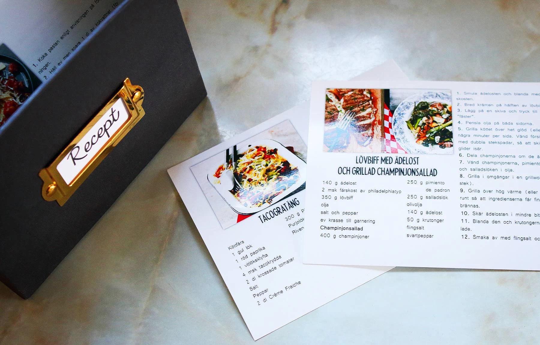 En låda fylld med recept