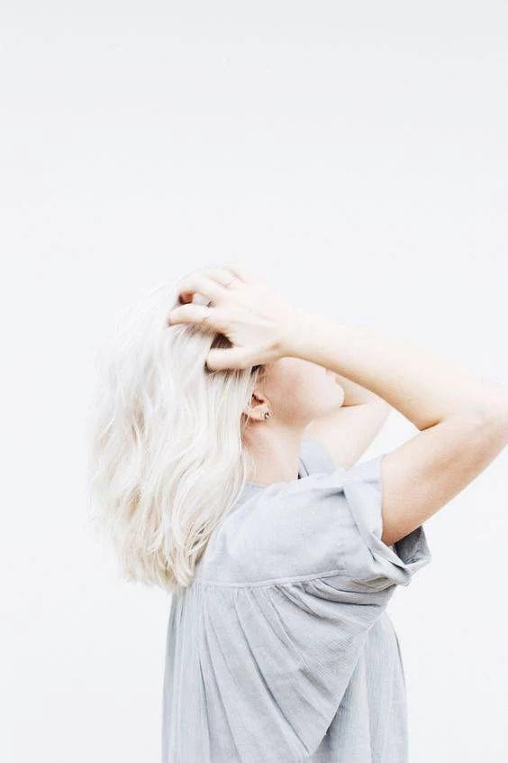Monday inspo // Platinum blonde