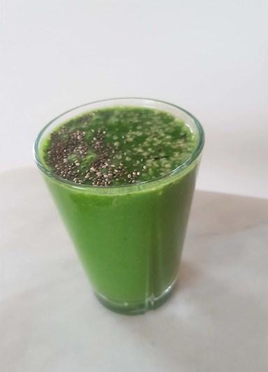 Nyttig grön smoothie med massa klorofyll
