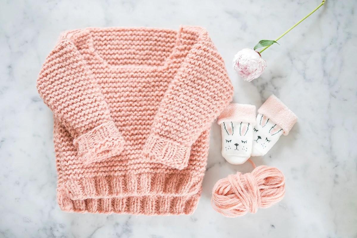 første strikk til lille venn!
