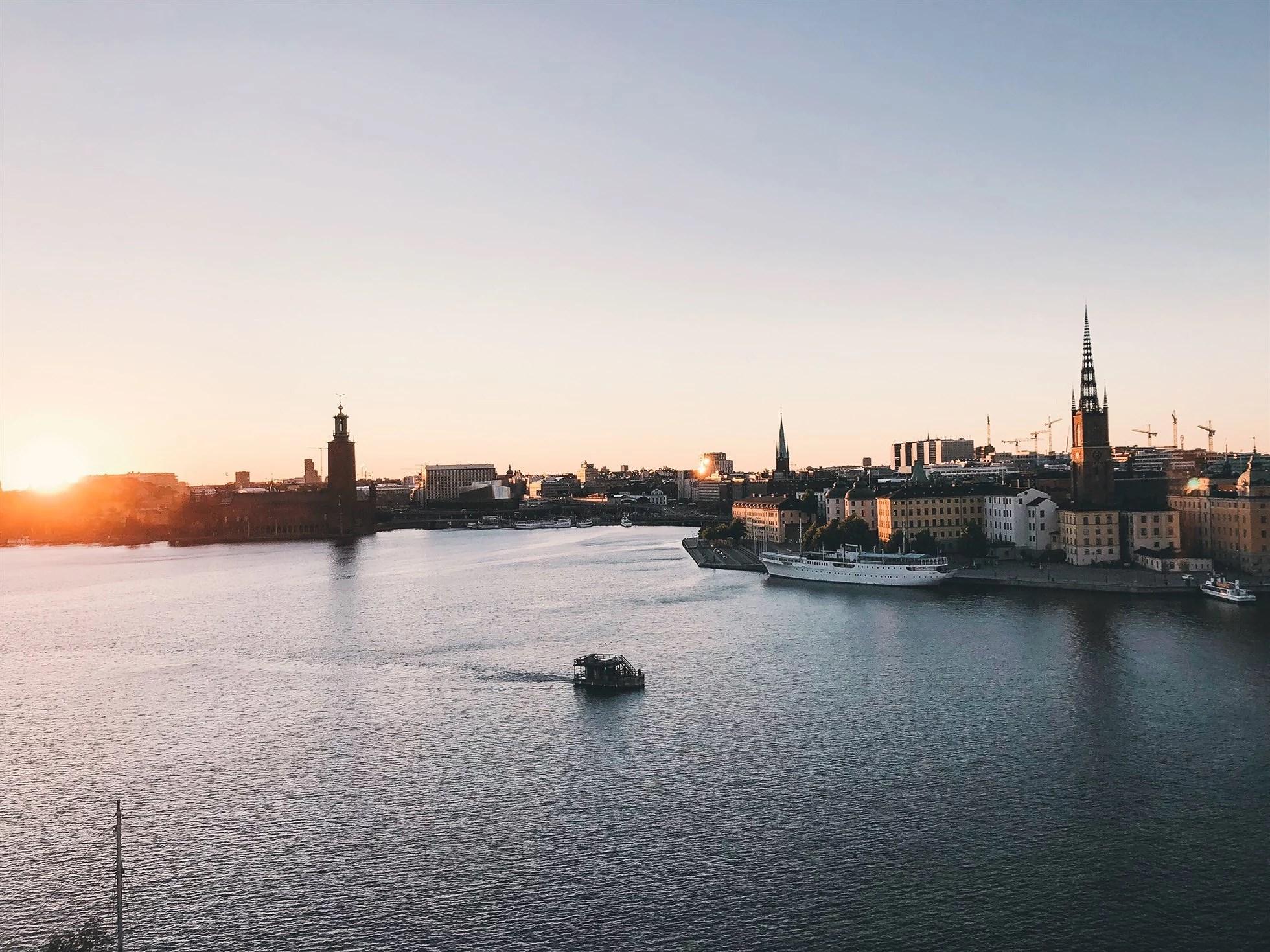 Italienskt och en solnedgång över Stockholm