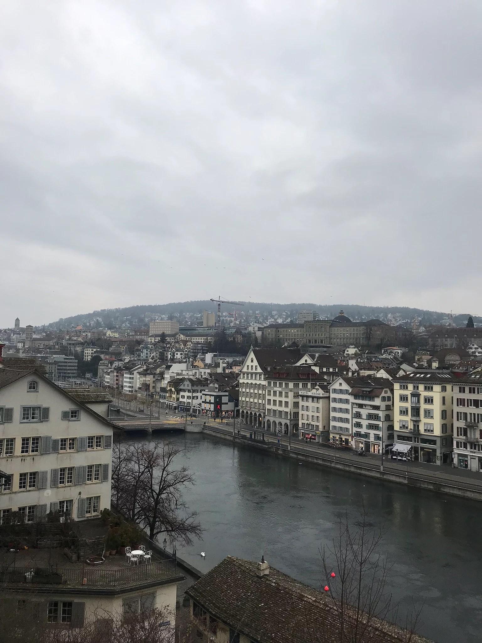 Sju timmar i Zürich