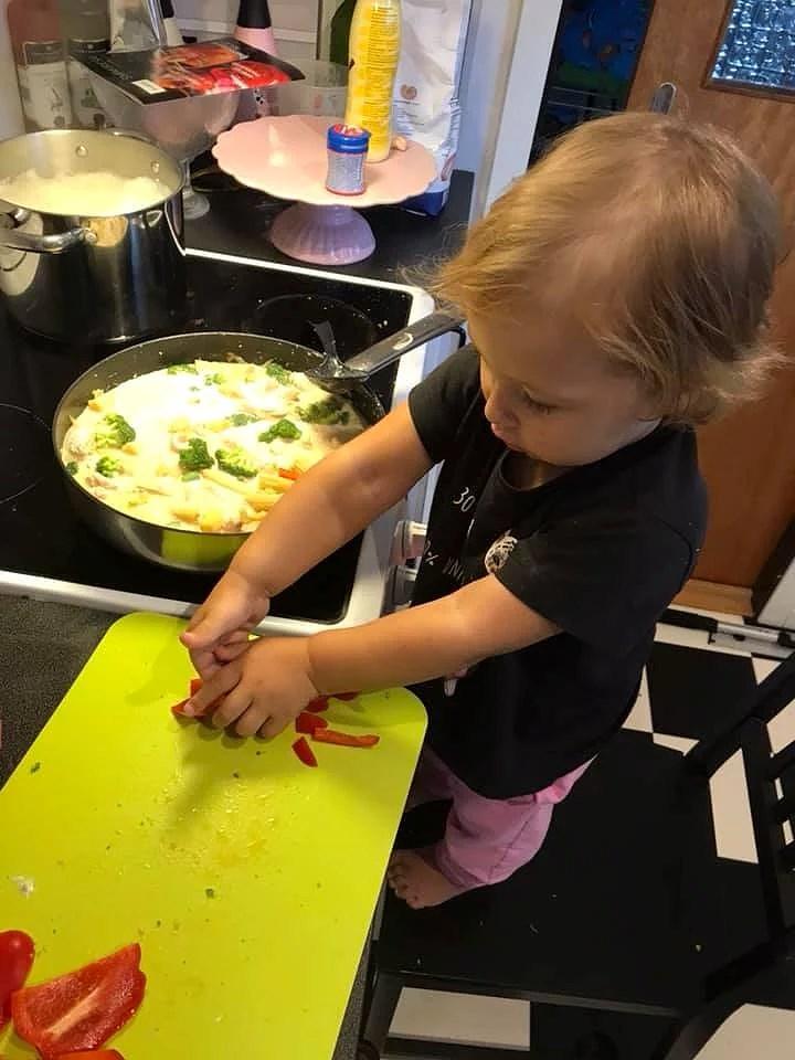 2årig kock och recept på samiskt tunnbröd (gahkku)