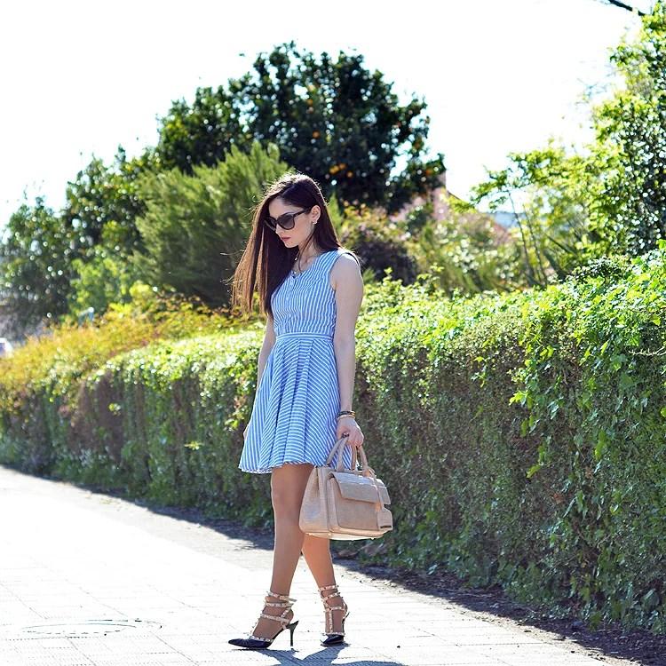 Zara_abaday_como_combinar_ootd_outfit_vestido_rayas_nude_05