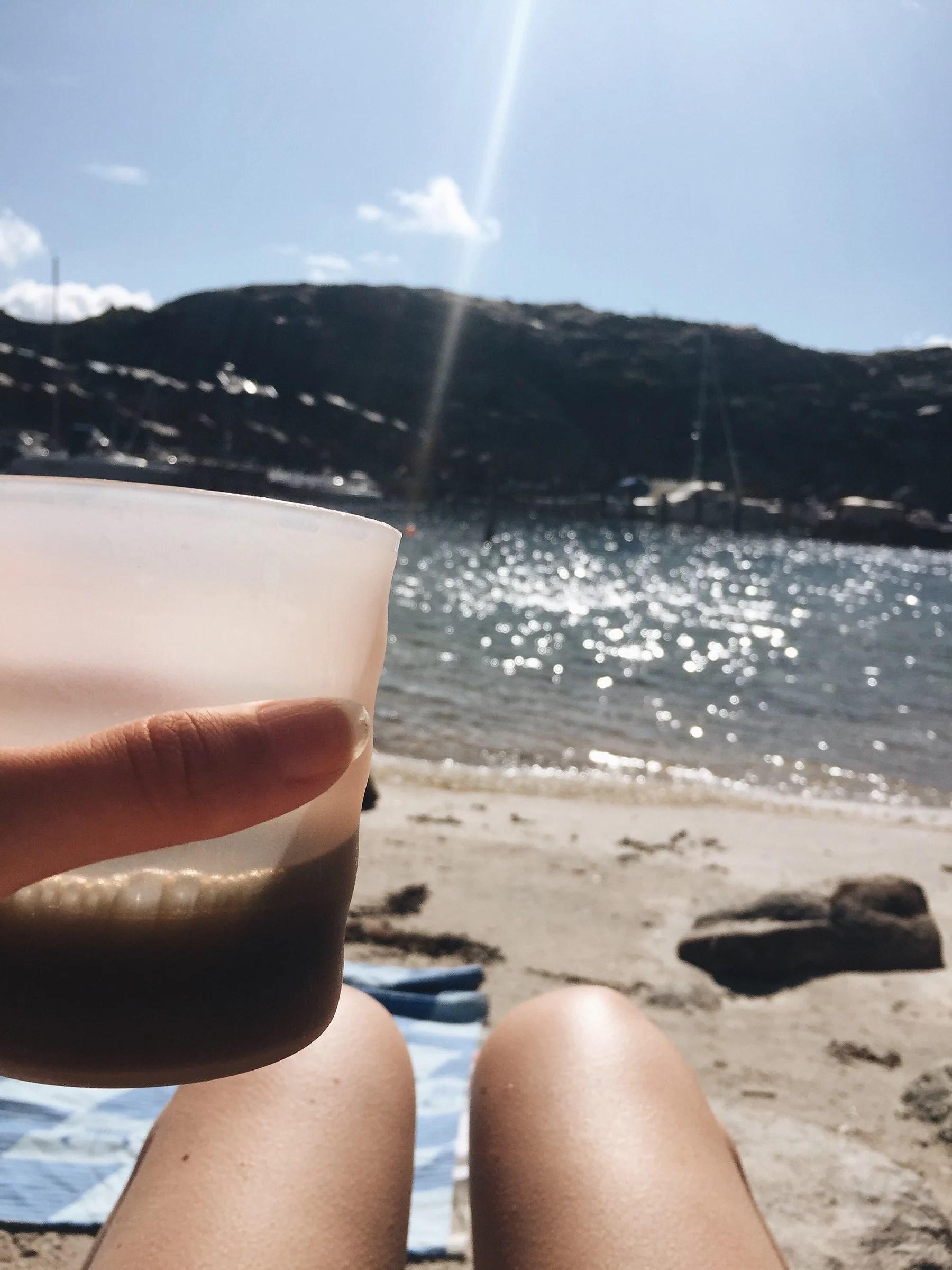 Stranden igen o en aning brunare