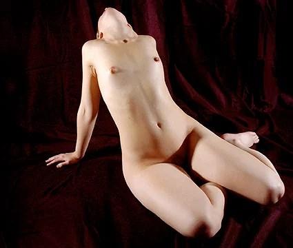 lång kvinnor små bröst
