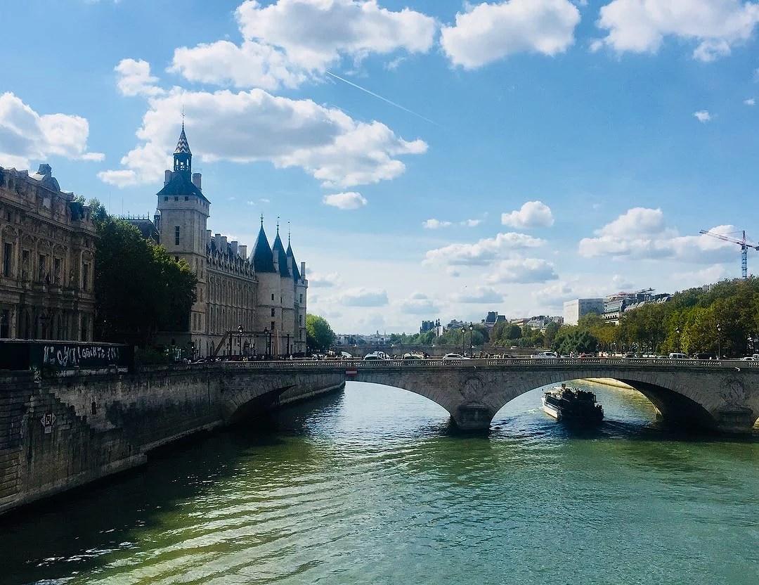 Gamla och nya minnen i Paris